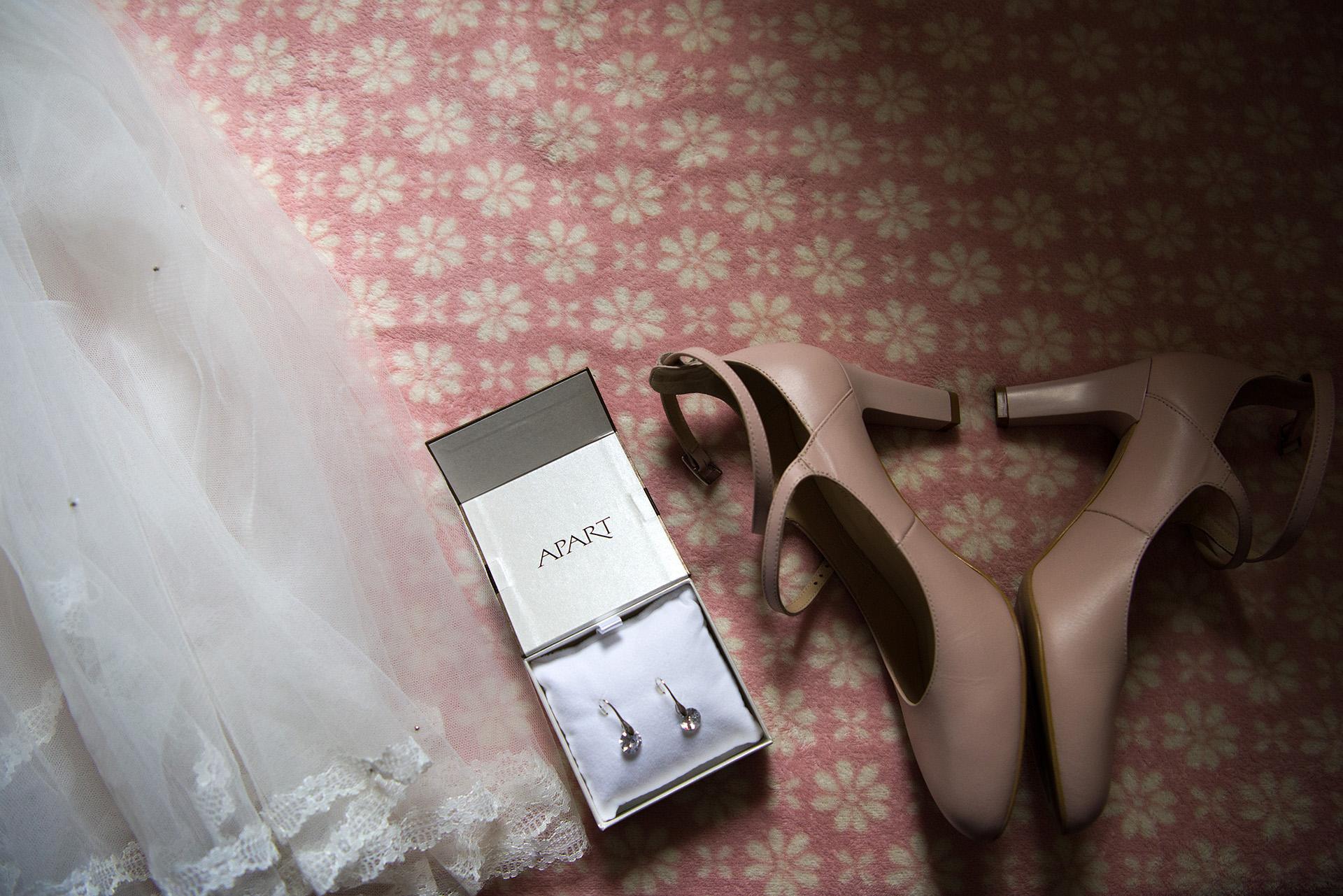buty ślubne biżuteria ślubna