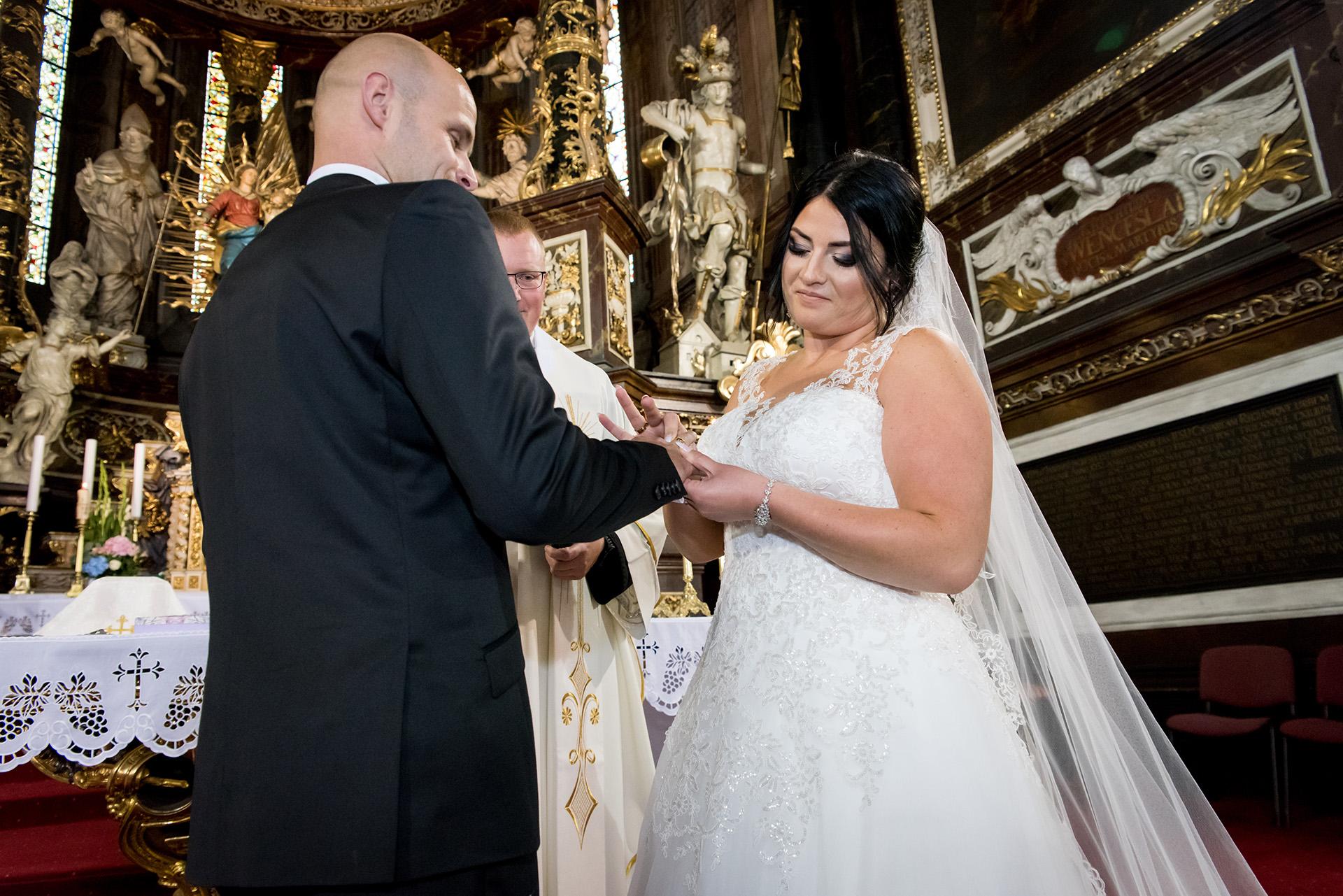 katedra świdnica przysięga małżeńska - obrączki ślubne