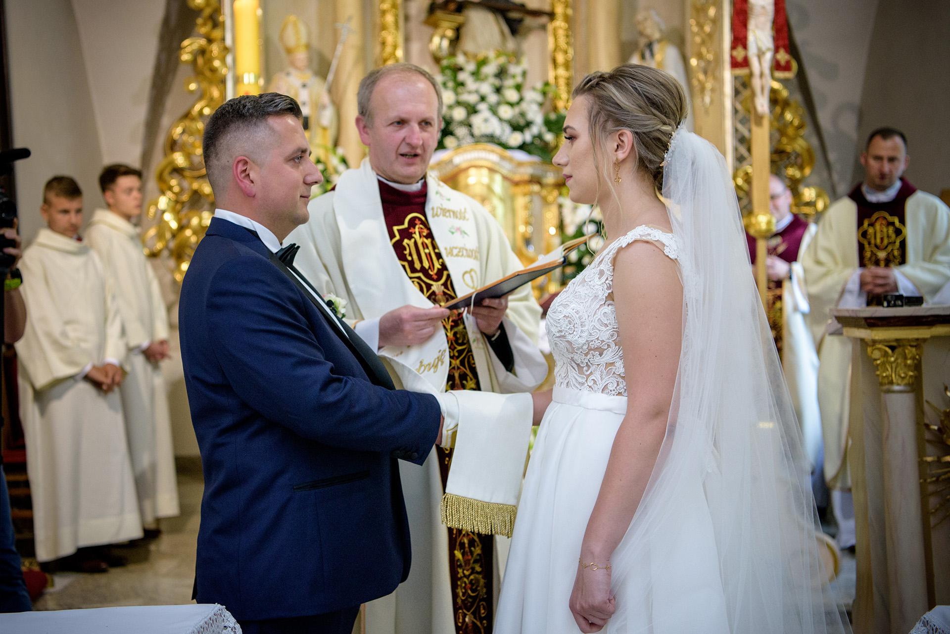 przysięga małżeńska - obrączki ślubne